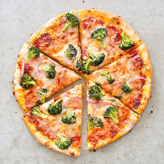SFS_skillet_pizza_broccoli_red_onion-18